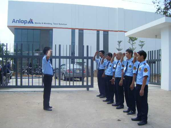 Đội ngũ nhân viên trẻ, năng động và nhiệt tình